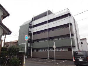 大分市内のアパート!完成しました(^○^)茶色とグリーンが目を引き付けますね。